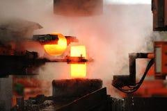 Автоматический горячий штемпелюя процесс Стоковые Фото