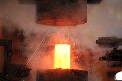 Автоматический горячий штемпелюя процесс Стоковая Фотография