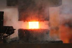 Автоматический горячий штемпелюя процесс Стоковое Фото