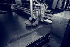Автомат для резки плазмы, промышленный CNC для metalwork в обрабатывающей промышленности Стоковые Изображения RF