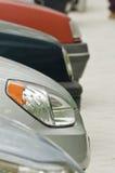 автомобили припарковали улицу Стоковое фото RF