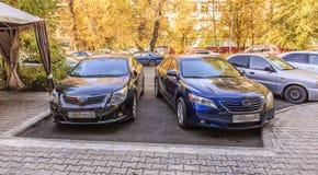 Автомобили темноты Тойота Стоковые Изображения