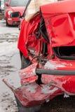 автомобиль гнул задний бампер поврежденный после аварии стоковые фото