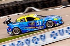 автомобиль грандиозный mazda участвует в гонке Стоковые Изображения RF