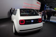 Автомобиль концепции Honda городской EV стоковые изображения rf
