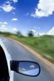 Автомобиль на дороге стоковая фотография rf