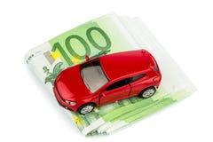Автомобиль на примечаниях евро Стоковые Фотографии RF