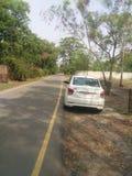 Автомобиль на стороне дороги стоковое фото