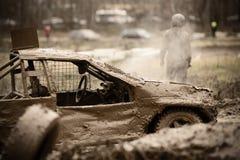 автомобиль поврежденный с дороги гонки Стоковые Изображения