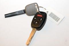 автомобиль пользуется ключом новая Стоковые Фото