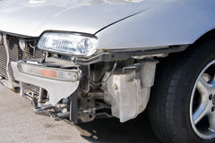 автомобиль разбил стоковое изображение rf