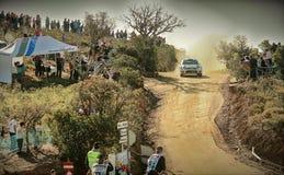 Автомобиль ралли и серия зрителей стоковое фото