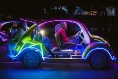 Автомобиль украшения с multicolour неоновыми светами стоковое фото rf
