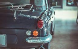 Автомобиль фары с вид сзади стоковое изображение