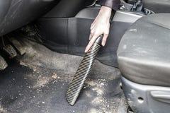 Автомобиль чистки с пылесосом Стоковое фото RF
