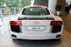 Автомобиль Audi R8 супер на дисплее на центре Сингапуре Audi Стоковые Фотографии RF
