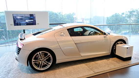 Автомобиль Audi R8 супер на дисплее на центре Сингапуре Audi Стоковые Фото