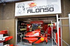 автомобиль fernando ferrari alonso подготовляя команду s Стоковое фото RF
