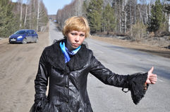 автомобиль hitchhiking серия серьезная Стоковые Изображения