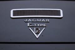 Автомобиль oldtimer ягуара E типа Стоковое Изображение