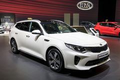 Автомобиль stationwagon SW оптимальных Kia вставляемый гибридный Стоковые Изображения RF