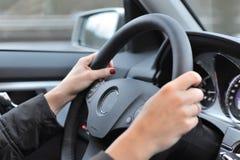 автомобиля управлять женщина Стоковое фото RF