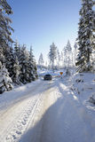 автомобиля управлять снежная зима Стоковое Фото