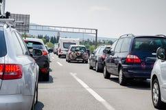 Автомобили в обозе стоковое изображение rf