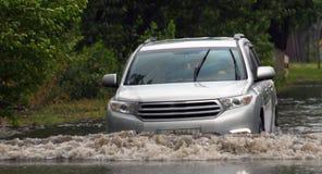 Автомобили в проливном дожде Стоковые Фотографии RF