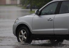Автомобили в проливном дожде Стоковое фото RF