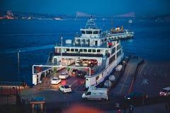 Автомобили и docs на Стамбуле Стоковое Фото