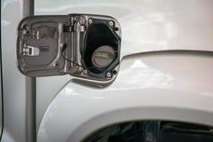автомобили масляного бака крышки Стоковые Фотографии RF