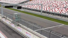 Автомобили на raceway видеоматериал