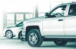 Автомобили торговца для продажи Стоковые Фотографии RF