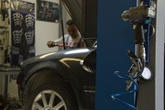 Автомобильные обслуживание и обслуживание Стоковая Фотография