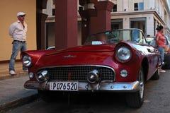 Автомобиль буревестника старый американский стоковое фото