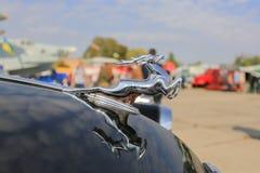Автомобиль Волга GAZ-21 логотипа Стоковое Изображение RF