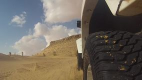 Автомобиль камеры в пустыне Сахары
