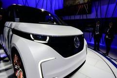 Автомобиль концепции Фольксвагена Budd-e стоковое фото