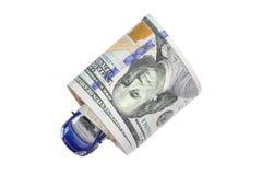 Автомобиль медного штейна военно-морского флота внутри крена американской банкноты доллара Стоковое Изображение