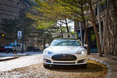 Автомобиль модели s Tesla электронный стоковая фотография rf