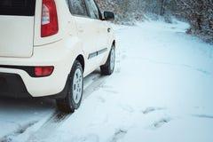 Автомобиль на дороге зимы Стоковое Изображение