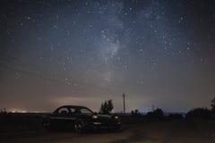 Автомобиль под звездами Стоковое Изображение