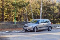 Автомобиль припаркованный на майне страны Стоковые Фотографии RF