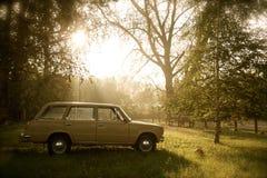 автомобиль разделяет ретро русского стоковое изображение rf