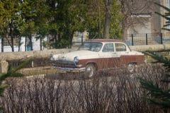 автомобиль ретро Совет; Волга; старо стоковая фотография rf