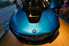 Автомобиль спорт BMW i8 гибридный Стоковое фото RF