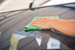 Автомобиль стекла чистки Стоковое Изображение RF