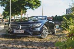Автомобиль с откидным верхом Мерседес-Benz S500 Стоковые Фотографии RF