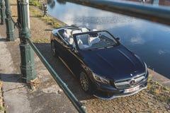 Автомобиль с откидным верхом Мерседес-Benz S500 Стоковое фото RF